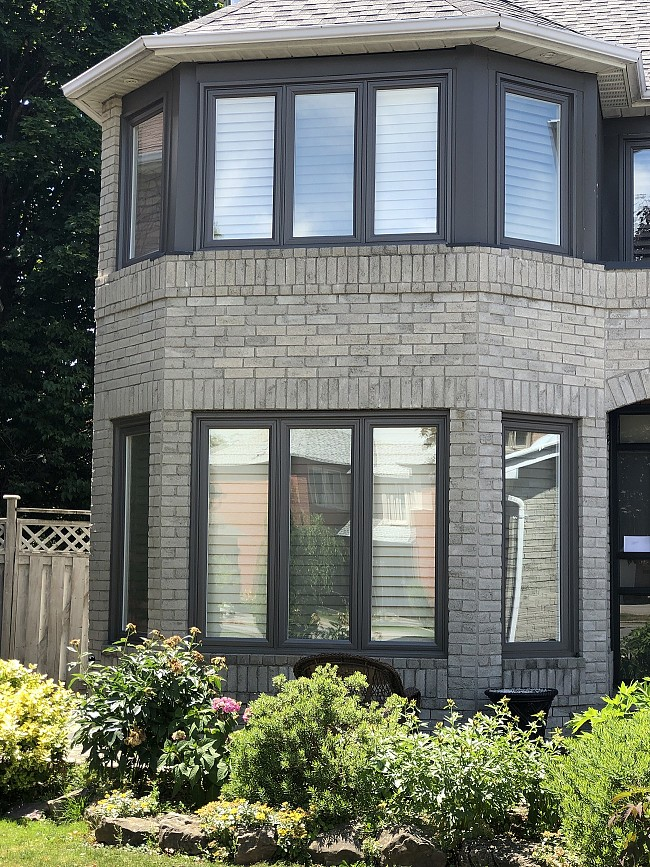 vinyl-windows-replacement-toronto-multiple-bow-turret