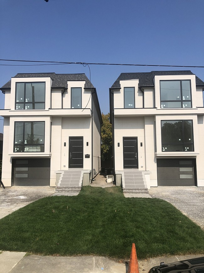 vinyl-windows-replacement-toronto-colonial-townhouse