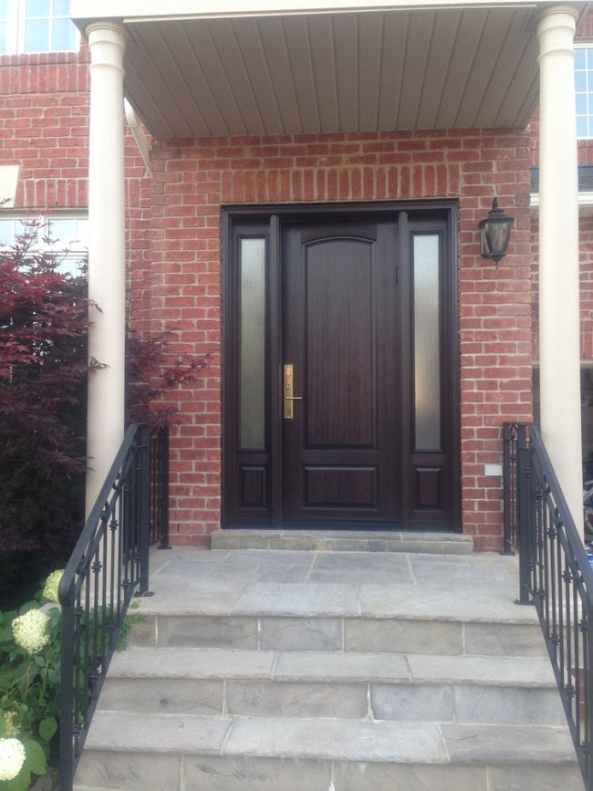 fiberglass-doors-installation-toronto-brick-entrance