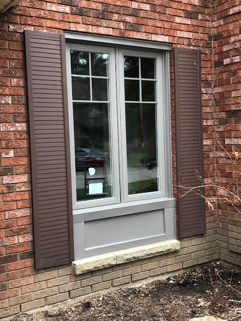 vinyl-windows-replacement-toronto-with-shutters