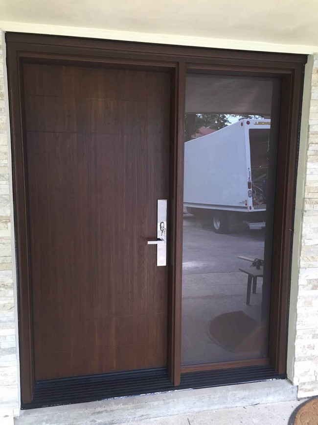 fiberglass-doors-installation-toronto-wide-square-sidelight