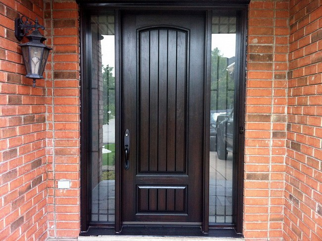 fiberglass-doors-installation-toronto-brick-port