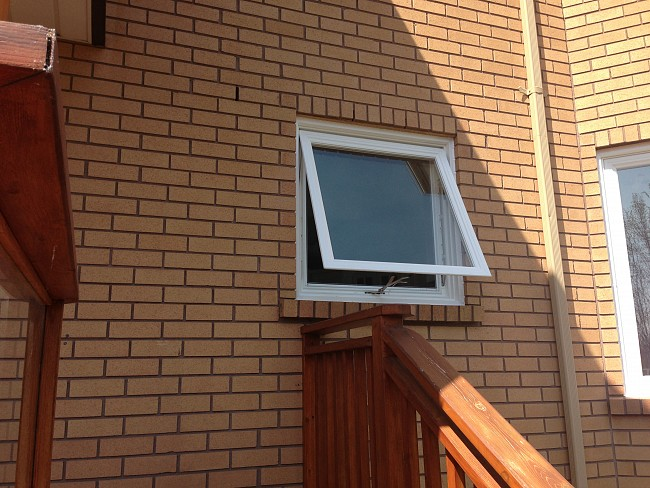 vinyl-windows-replacement-toronto-awning-open